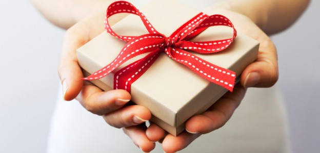 cannot miss holiday buying tips choose gifts wisely